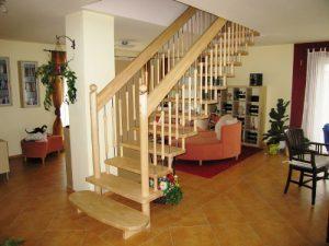 bolzentreppen und handlauftragende treppen tischlerei jahn. Black Bedroom Furniture Sets. Home Design Ideas